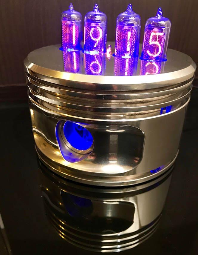 Jacobs Nixie Piston Clock