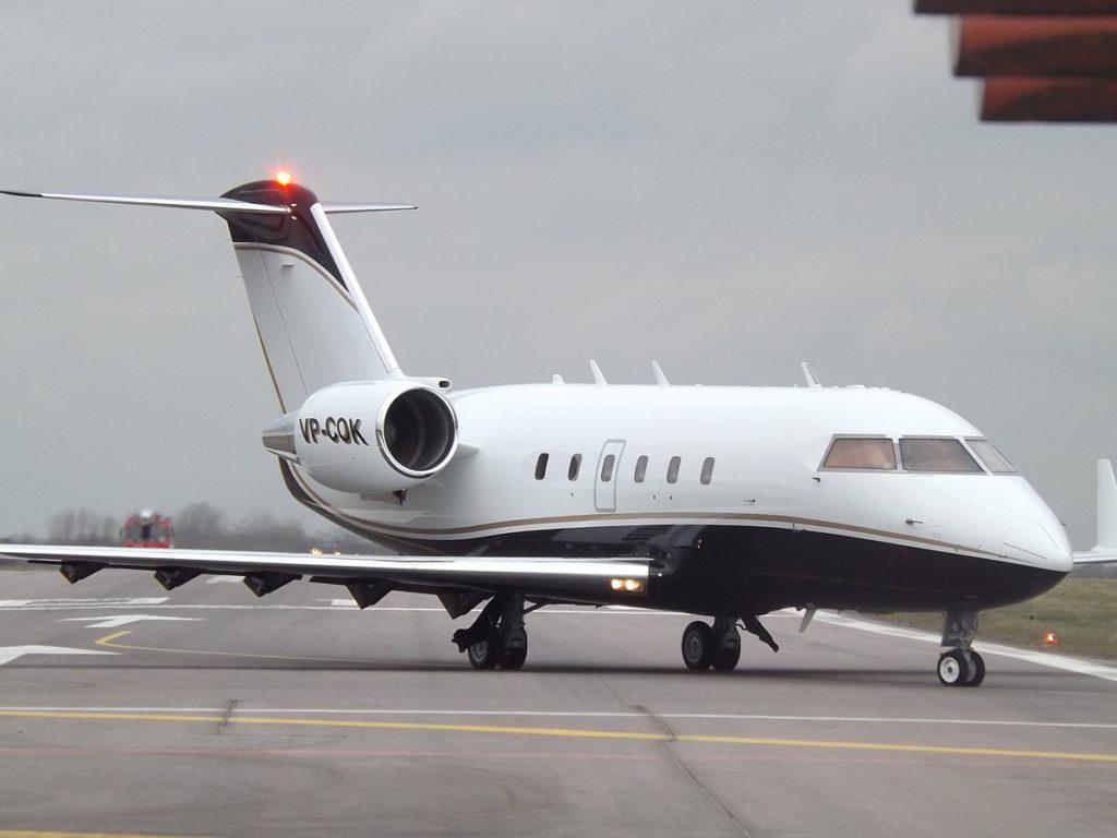 VP-COK_Bombardier_Challenger_601